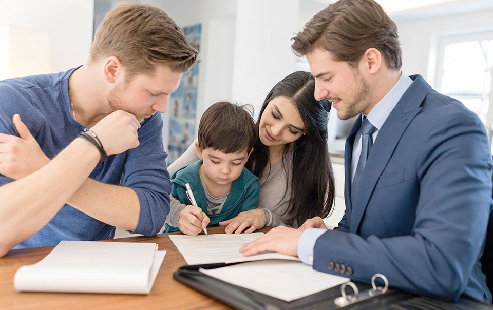 8 Steps to Buying and Insuring Your New Home